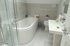 St Ives Bathroom at Retallack Resort